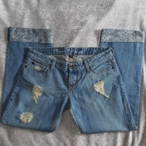Van's Ripped Novio Fit Size 7 Cropped Jean's THB2